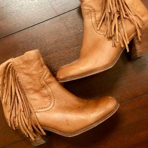 Sam Edelman Size 6.5 Louie Brown Fringe Booties
